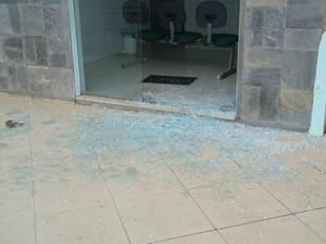 clínica é alvo de atentado (Foto: Criativa On Line/Divulgação)