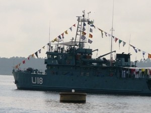 Convidados da Semana Global percorrem Rio Negro em navio da Marinha (Foto: Carlos Eduardo Matos/G1)