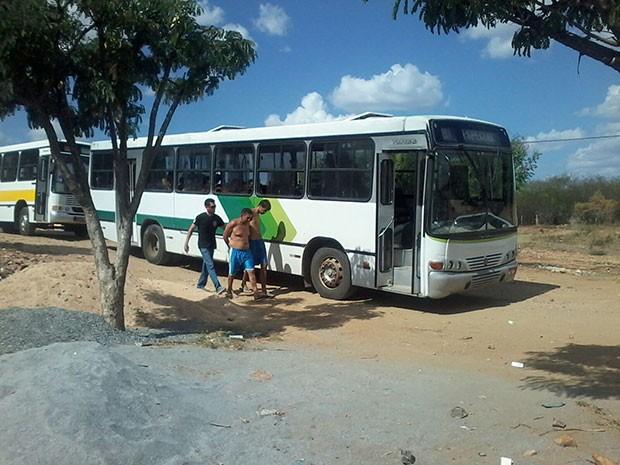 Presos do Penitenciária Pereirão, em Caicó, foram transferidos nesta terça (Foto: Hugo Andrade/Inter TV Cabugi)