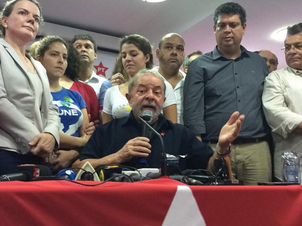 Lula faz pronunciamento na sede do PT em São Paulo (Foto: Paula Paiva Paulo/G1)