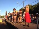 Carnaval na fronteira começa com escolha da 'Menina Veneno'