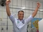 Candidato Alex de Freitas (PSDB) vota em Contagem