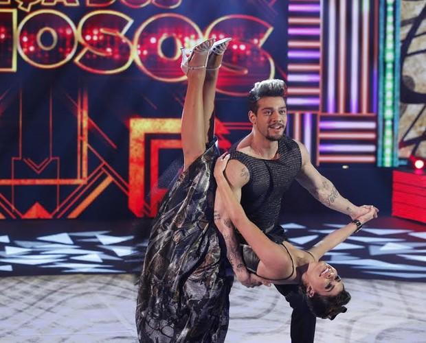 Lucas Lucco e Ana Paula dança rock (Foto: Raphael Dias/TV Globo)
