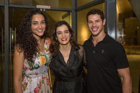 Débora Nascimento, Simone Leitão e José Loreto (Foto: Daniel Ebendinger)