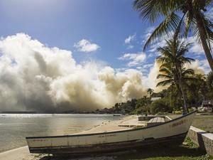 Fumaça tóxica pode ir para o Paraná, São Paulo e Rio de Janeiro (Foto: Kleber Silva/VC no G1)