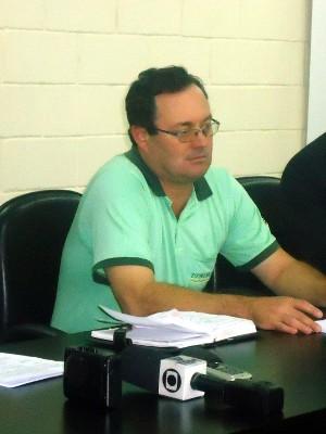 José Luís Chiquito, responsável pelo Centro de Controle de Zoonoses (Foto: Luana Eid / G1)