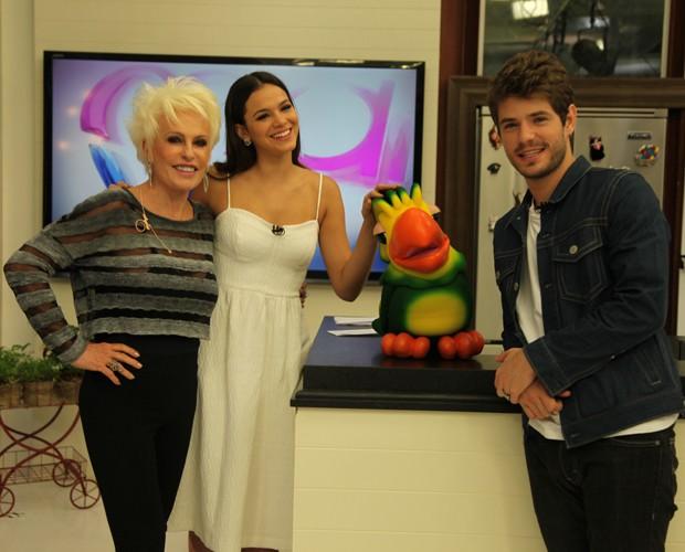Bruna Marquezine e Maurício Destri posam com Ana Maria Braga e Louro José (Foto: Fabiano Battaglin/Gshow)