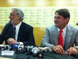 Plácido Domingo e Cid Gomes, deram entrvista coletiva após concerto (Foto: André Teixeira/G1)