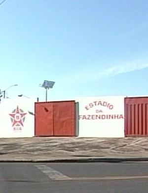 Já se passaram dois anos desde que o time deixou a cidade e a Fazendinha foi fechada (Foto: Reprodução/TV Integração)