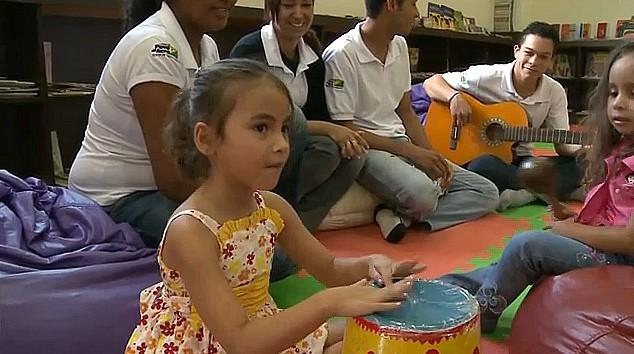 Atividade tem agradado as crianças que participam do evento cultural (Foto: Amazônia TV)