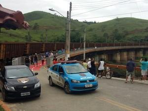 Reaberta ponte interditada em Barão de Juparanã, distrito de Valença, RJ (Foto: Sidinei da Rocha/Arquivo Pessoal)