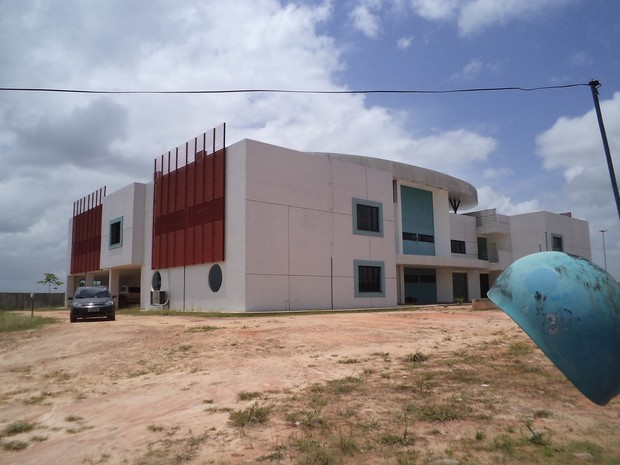 Em Alto Alegre, há a possibilidade de cessão do prédio para que a Uerr termine a obra com recursos próprios (Foto: Maria José (Sindicato dos Servidores da Uerr))