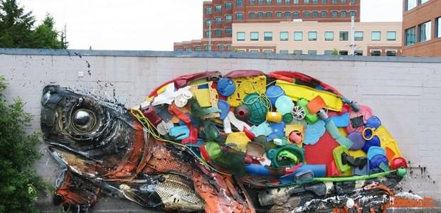 BordaloII-artista-portugûês-escultura-lixo-tartaruga (Foto: Divulgação)