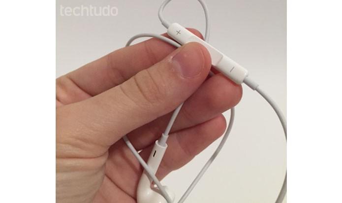 Fone da Apple (Foto: Gabriella Fizmann/ TechTudo)