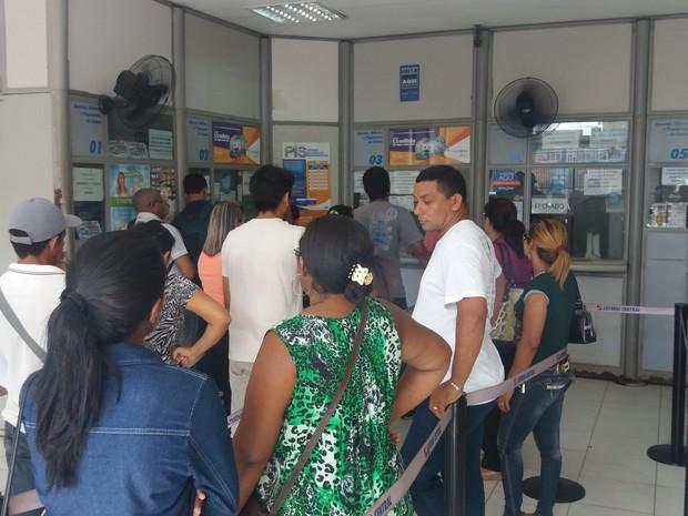 lotérica, clientes, greve dos bancos, atendimento, Amapá, Macapá (Foto: Jéssica Alves/G1)