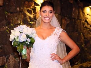 Que belo sorrisão da noiva (Foto: Isabella Pinheiro/Gshow)