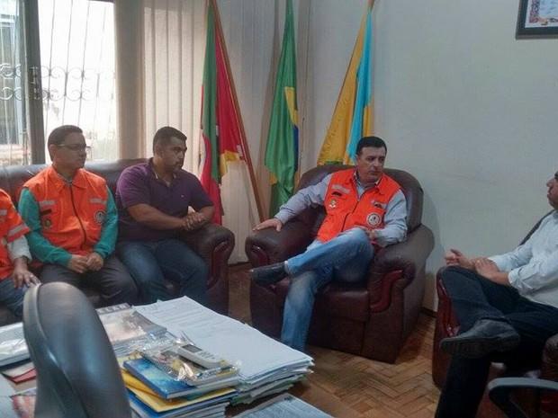Reunião técnica da Defesa Civil com a prefeitura de Barra do Quaraí (Foto: Divulgação/Defesa Civil)