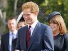 Príncipe Harry está namorando cantora, diz jornal