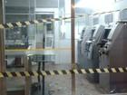 Caixas eletrônicos são arrombados em duas cidades nesta quarta-feira