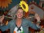 Karina Bacchi vira a noiva em festa junina de sua ONG Florescer