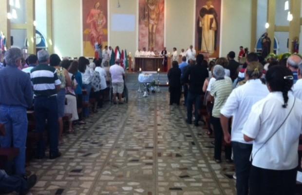 Missa em homenagem a dom Tomás Balduíno em Goiânia, Goiás (Foto: Fábio Castro/ TV Anhanguera)