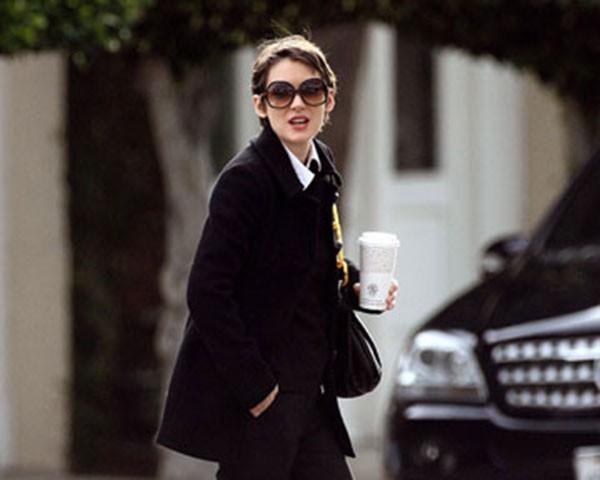 Winona Ryder: estilo cool e discreto (Foto: Instagram)