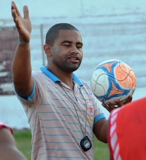 Nei Gaúcho, técnico do Rio Branco (Foto: Duaine Rodrigues)