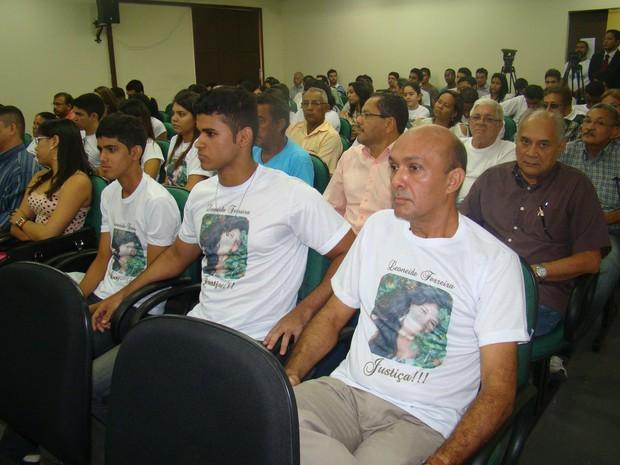 Familiares acompanham o julgamento (Foto: Gilcilene Araújo/G1)