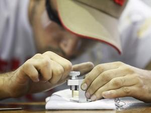 Competidor em Mecânica de Usinagem, Olimpíada 2012 (Foto: José Conceição)