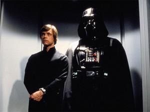 Luke Skywalker e Darth Vader em 'O retorno de jedi' (Foto: Divulgação)