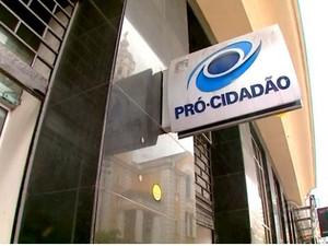 Polícia investiga esquema criminoso no Pró-Cidadão de Florianópolis (Foto: Reprodução RBS TV)