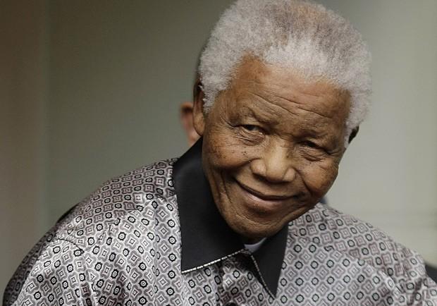 O ex-presidente sul-africano Nelson Mandela em 26 de junho de 2008 em Londres (Foto: AFP)
