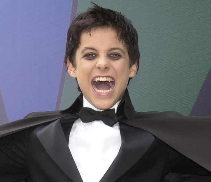 Kayky Brito deu vida a Zeca em 'O Beijo do Vampiro'. Relembre os outros vampiros da novela exibida em 2002 (Foto: Gianne Carvalho / Globo)