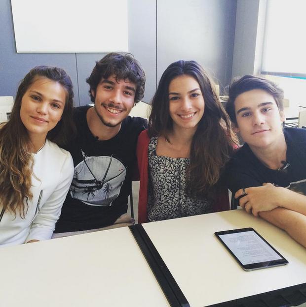 Nicolas Prattes com Marina Moschen, Pâmela Tomé e Vitor Novello (Foto: Reprodução/Instagram)