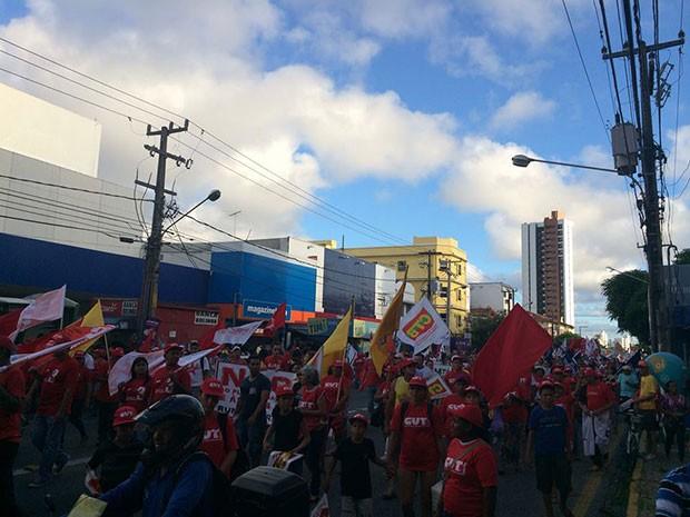 Caminhada seguiu pelo Centro da Cidade na Avenida Rio Branco (Foto: Felipe Gibson/G1)