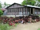 Mais de 700 imigrantes desembarcam no norte de Mianmar
