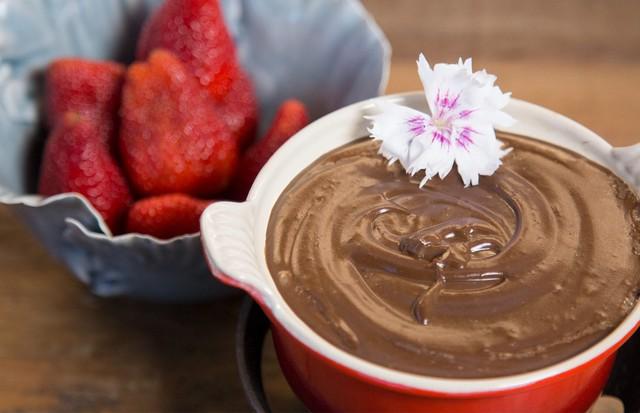Fondue de chocolate vegano (Foto: Rafael Avancini)