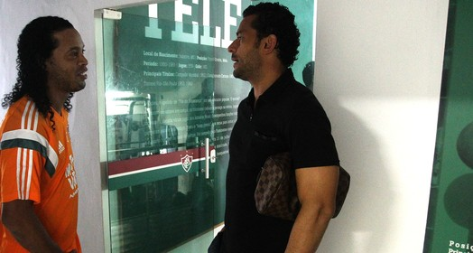 um dentro, outro fora (Nelson Perez / Fluminense FC)