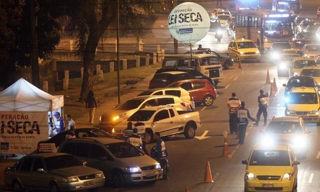 Operação Lei Seca (Foto: Marcos de Paula / Estadão)