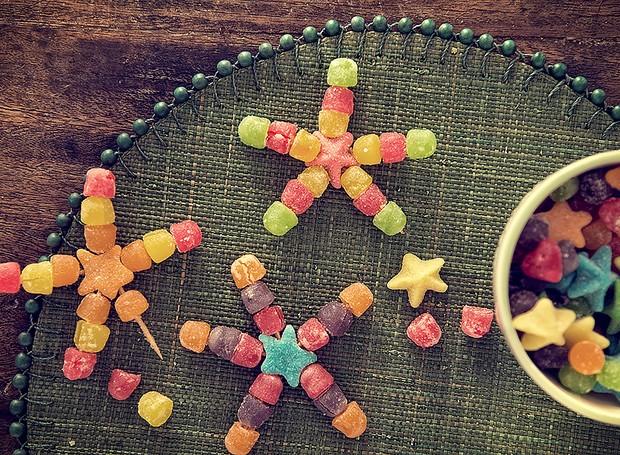 Estrelas de jujuba: delícia de decoração! Jogo americano Tania Bulhões  (Foto: Cacá Bratke/ Editora Globo)