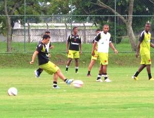 Eder Luis treino Vasco Cefan (Foto: Gustavo Rotstein)