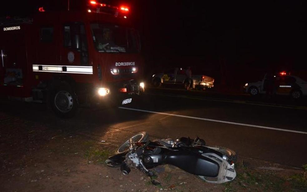 Segundo polícia, motociclista atropelou cavalo antes de cair (Foto: Olímpia 24Horas)