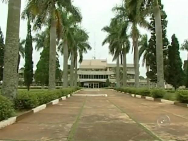 Prefeitura está na lista de geradores de empregos que não cumprem a lei de cotas. (Foto: Reprodução TV TEM)