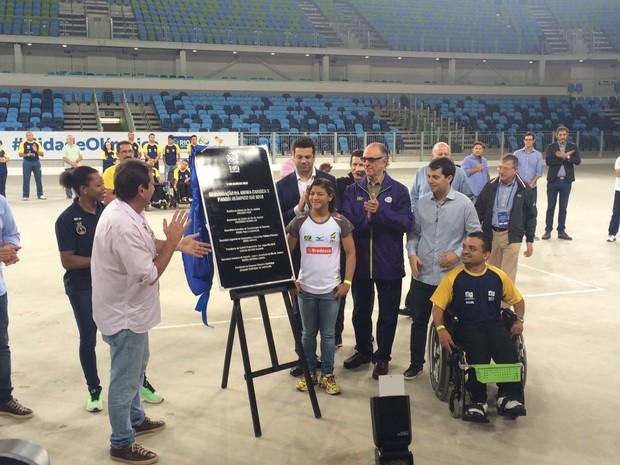 O ministro dos Esportes, Leonardo Picciani, inaugurou na manhã deste sábado (14), junto com o prefeito do Rio Eduardo Paes, a Arena Carioca 2, no Parque Olímpico. (Foto: Gabriel Barreira / G1)