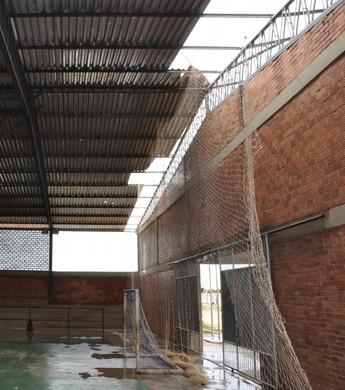 Situação precária do Ginásio Poliesportivo de Bonfim, norte de Roraima (Foto: Ascom/MPRR)