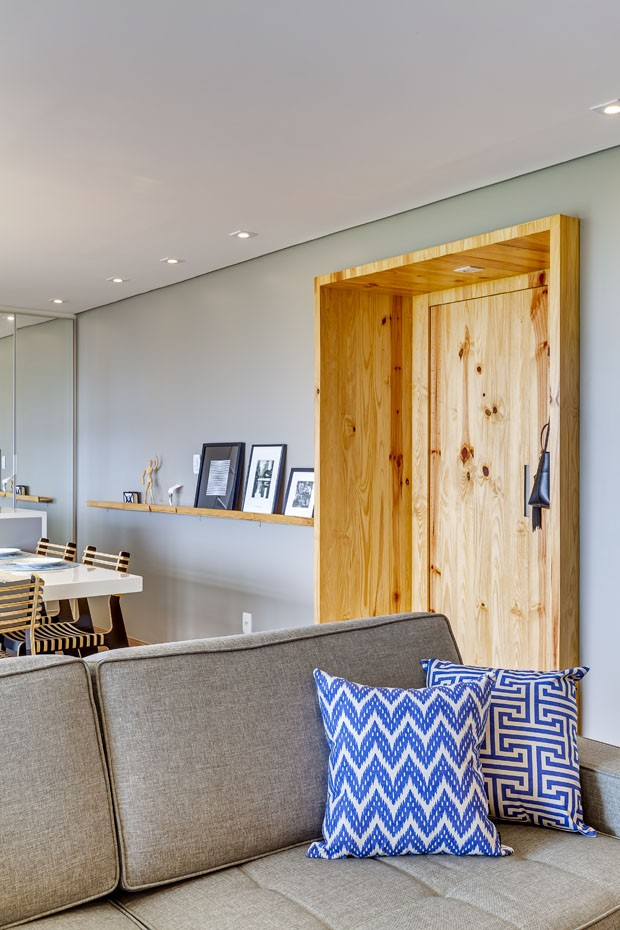 Apartamento de 120 m² com sala cozinha e varandas integradas (Foto: Alessandro Guimaraes / divulgaç)