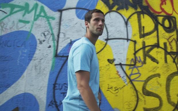 Pedro Andrade visita a Galeria East Side, em Berlim (Foto: Gustavo Nasr)