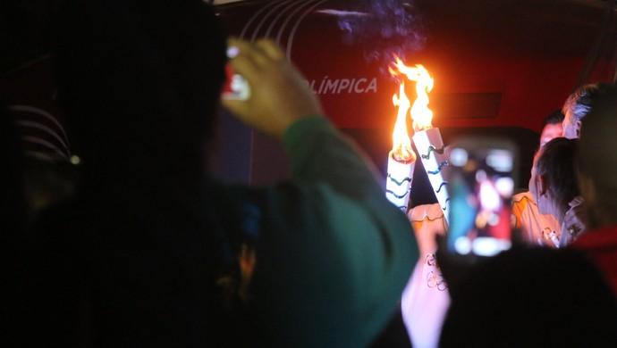 Chama Tocha Olímpica Porto Alegre (Foto: Eduardo Deconto/GloboEsporte.com)