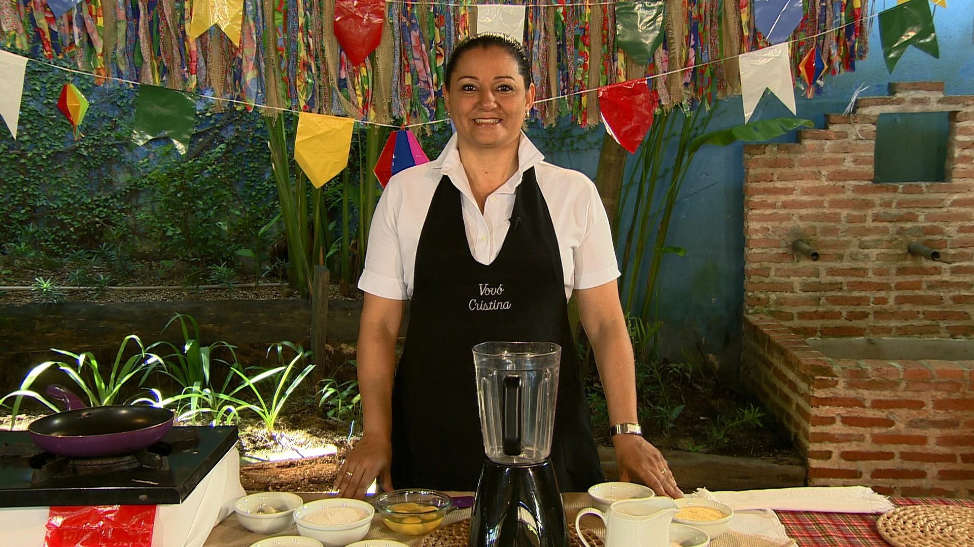 Vovó Cristina ensina como preparar o bolo cremoso de milho (Foto: Rede Amazônica/AVG)
