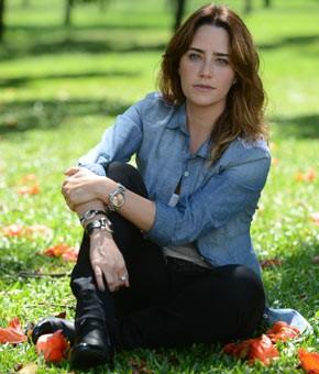 Fernanda Vasconcellos vive triângulo amoroso (Foto: TV Globo / Zé Paulo Cardeal)